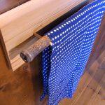 竹のタオル掛け